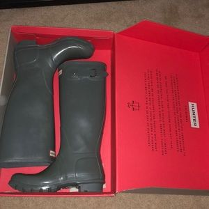 tall hunter boots size 8 in gray